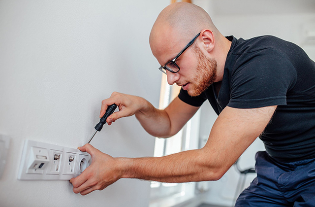 Everything You Need To Know About Becoming An Electrician